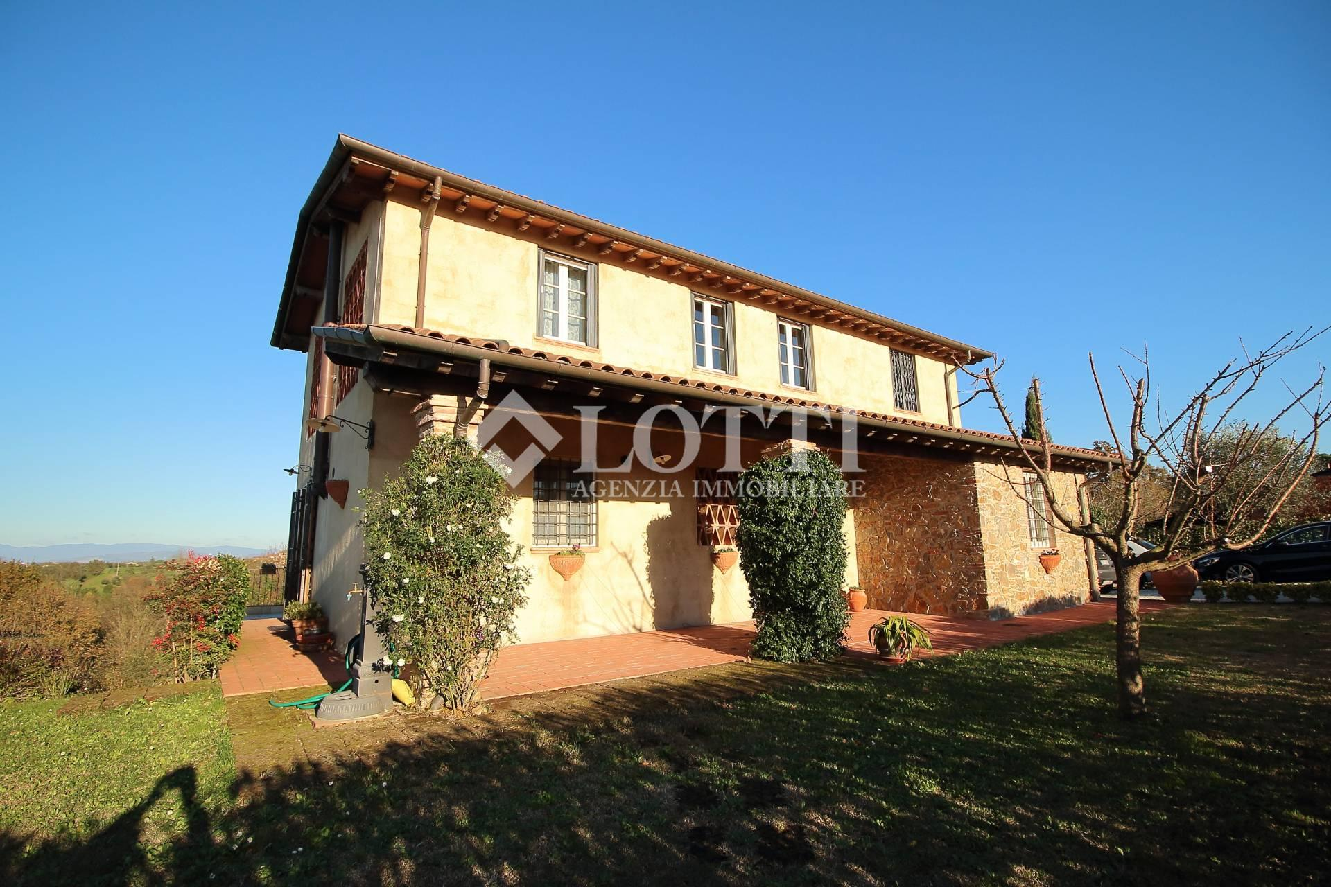 Country house for sale in Santa Maria a Monte (PI)