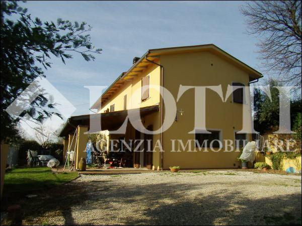 Country house for sale in Santa Colomba, Bientina (PI)