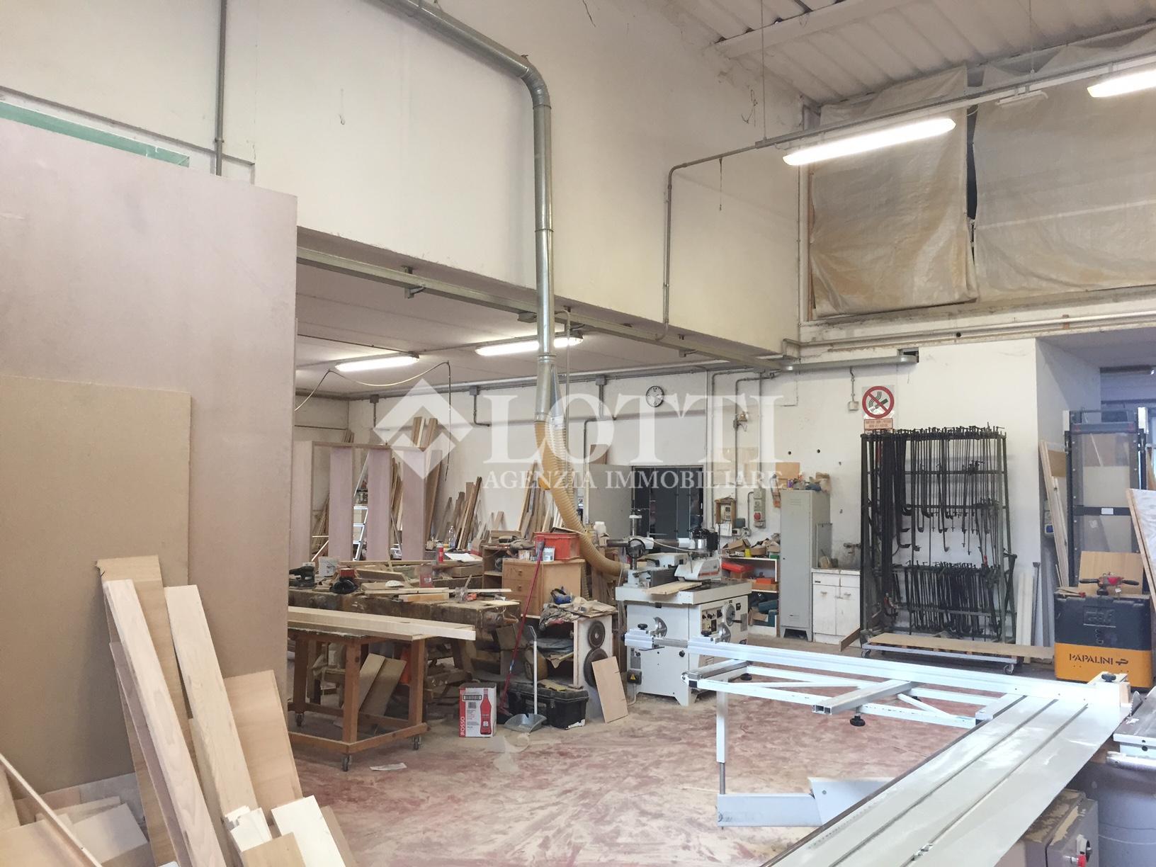 Industrial depot for sale in Cascina (PI)