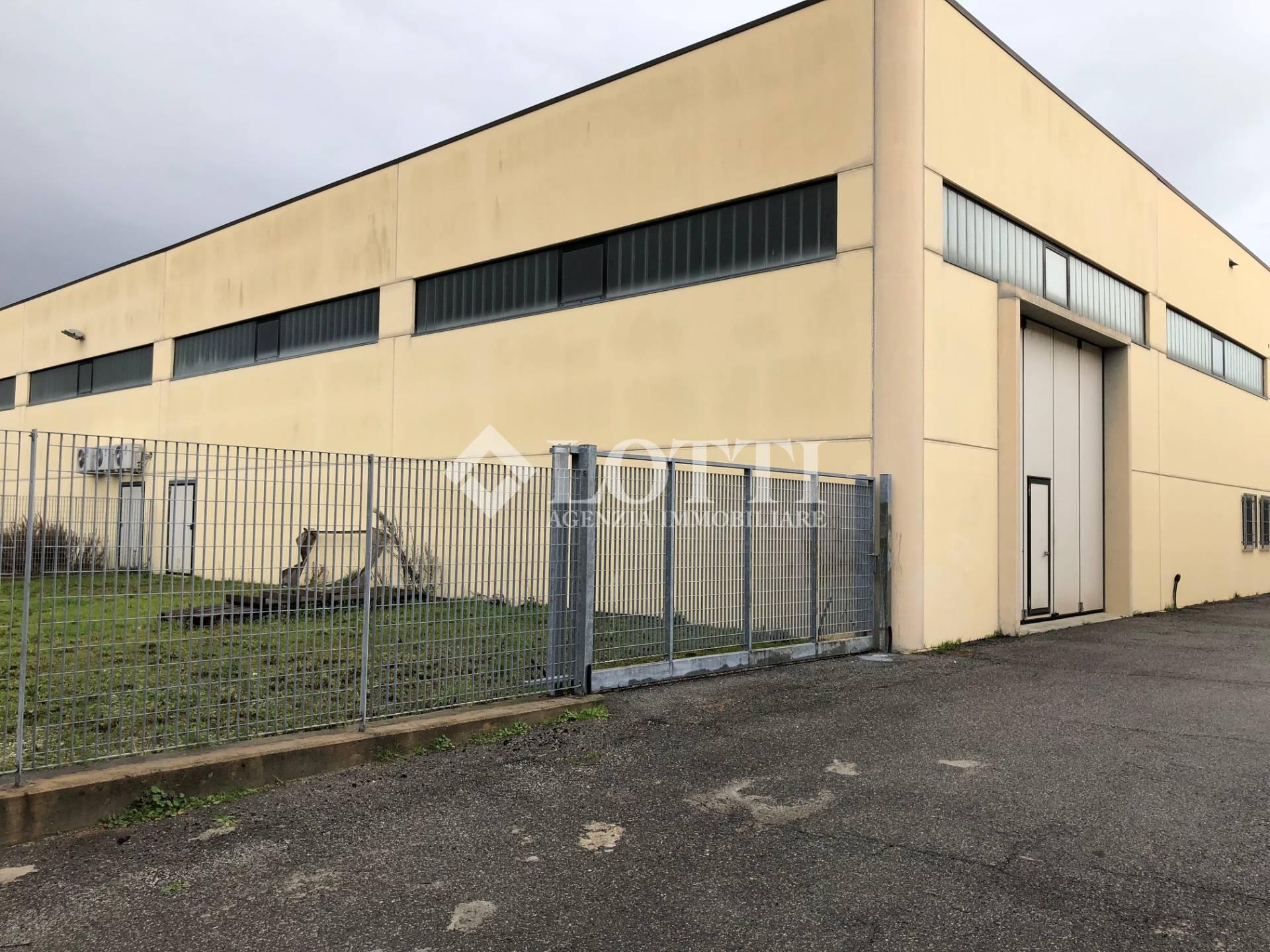 Industrial depot for sale in Vicopisano (PI)