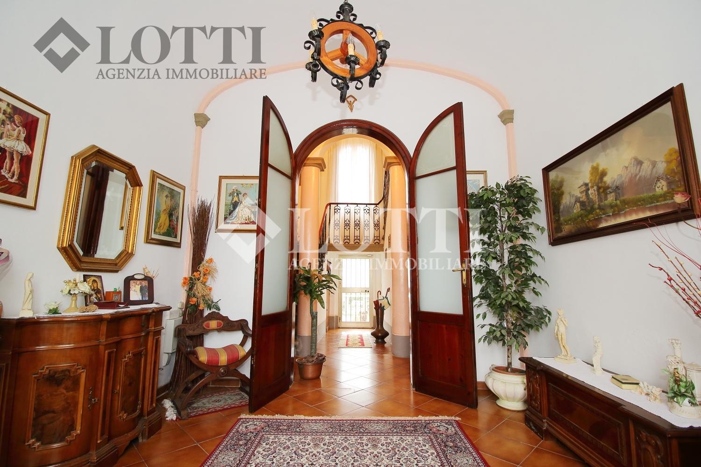 Casa singola in vendita, rif. 525