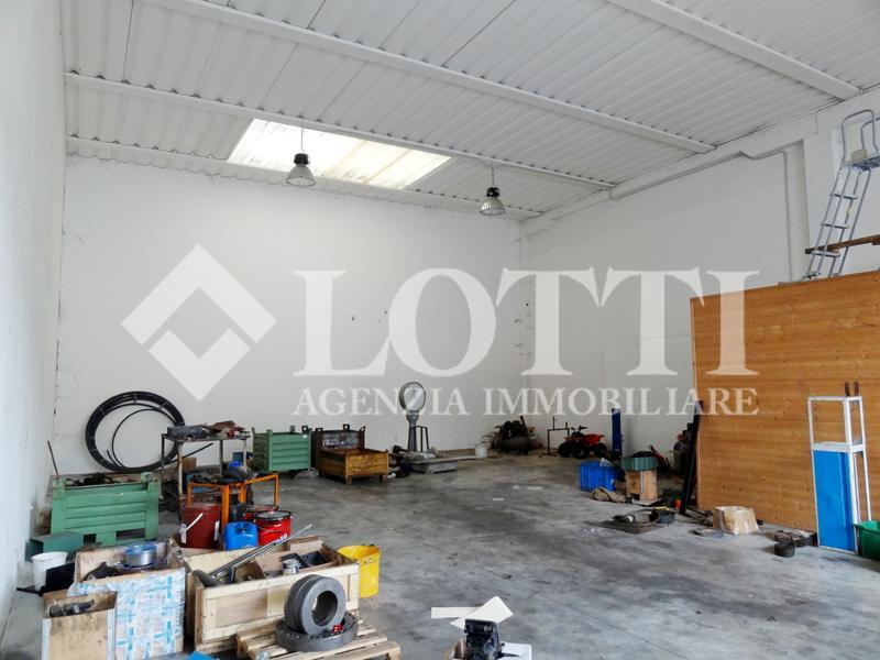 Capannone industriale in affitto commerciale a Cascine, Buti (PI)