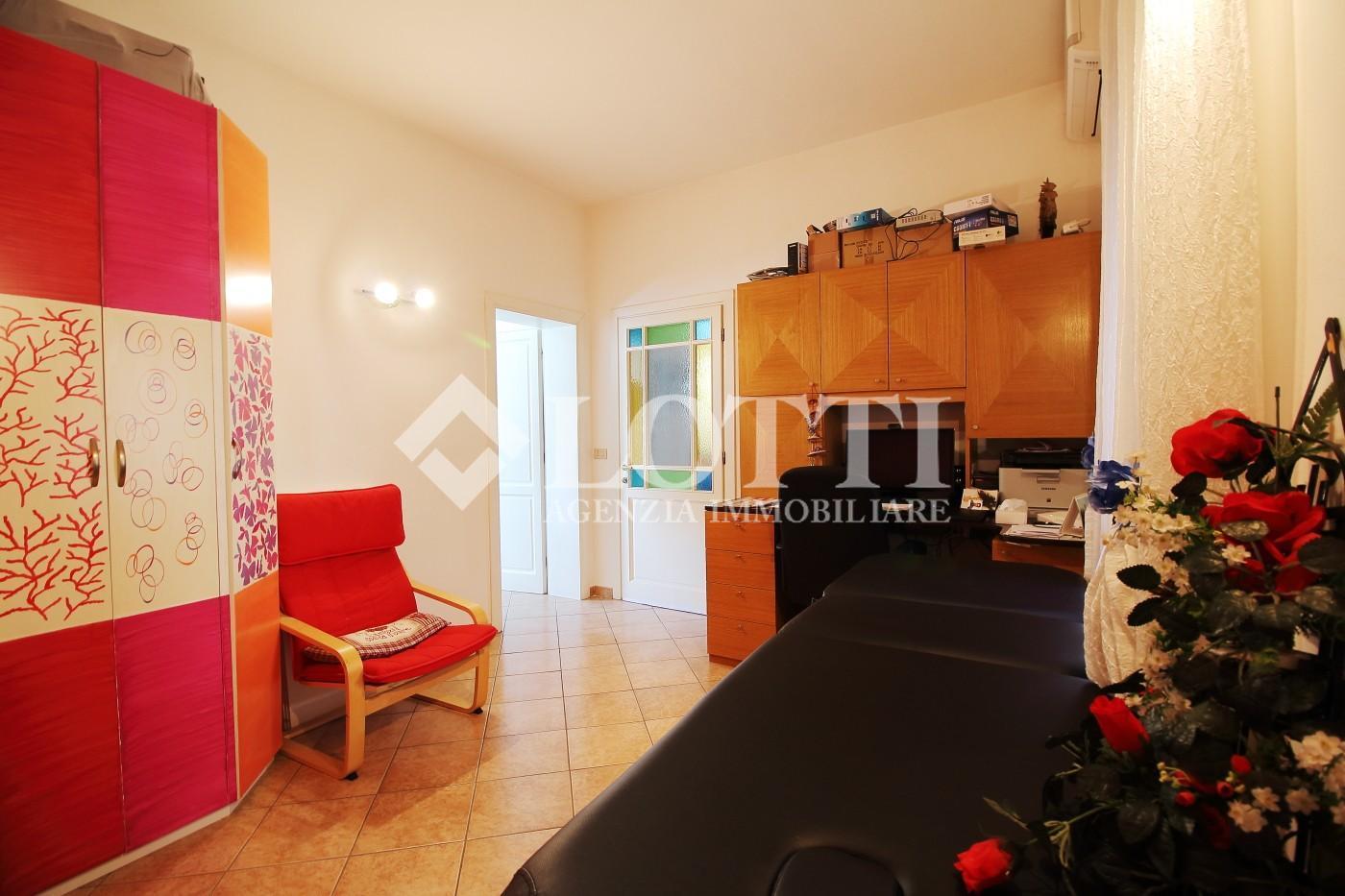 Appartamento in vendita, rif. 552