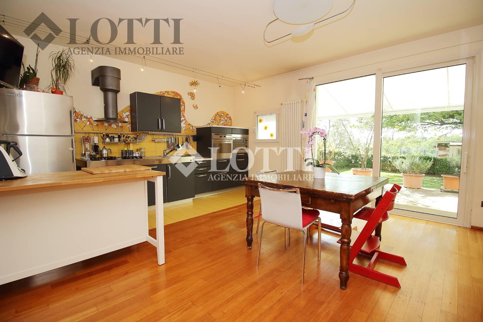 Villa for sale, ref. 528