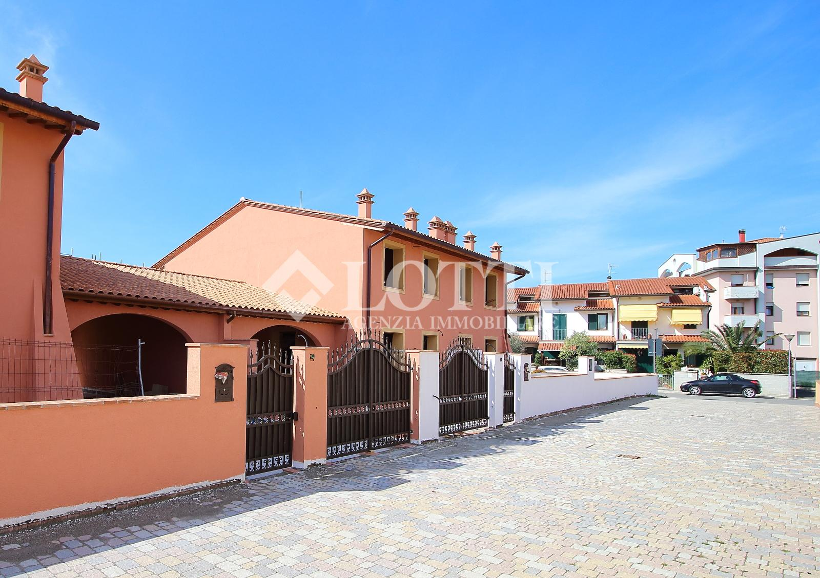 Semi-detached house for sale in Calcinaia (PI)