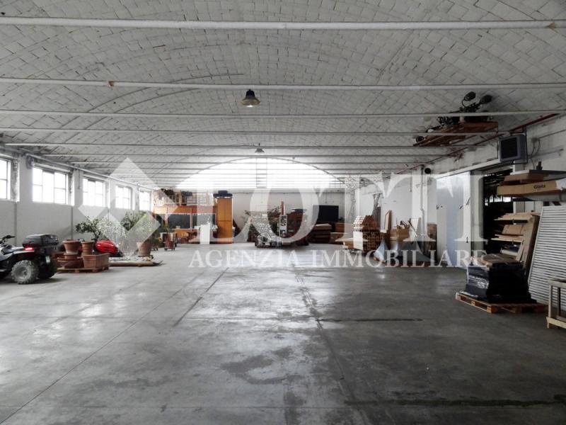 Capannone industriale in Vendita a Cascine, Buti (PI)