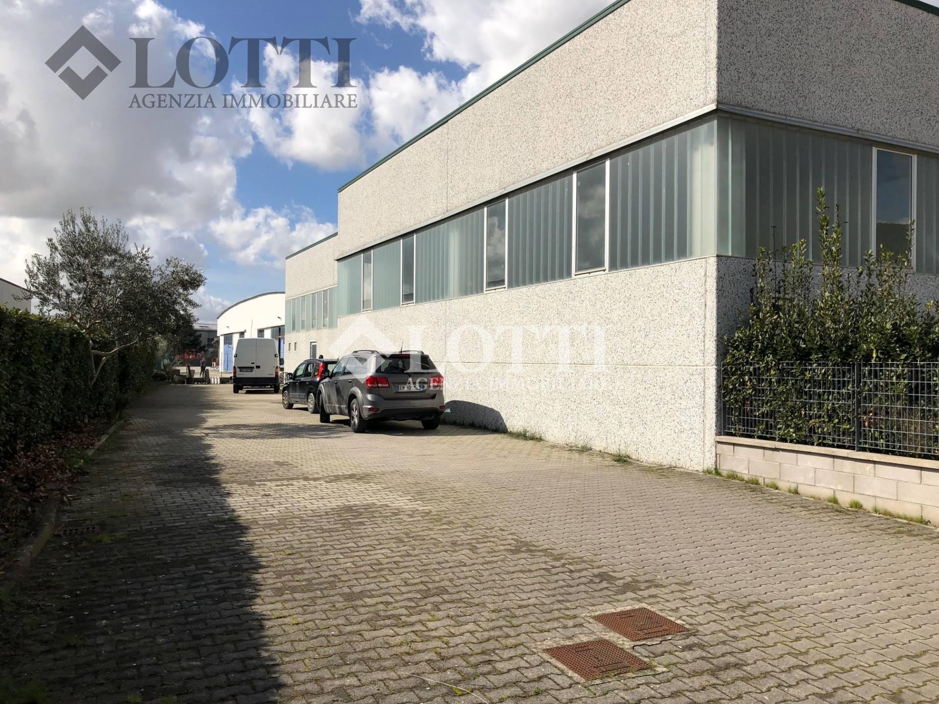 Capannone industriale in vendita a Lugnano, Vicopisano (PI)