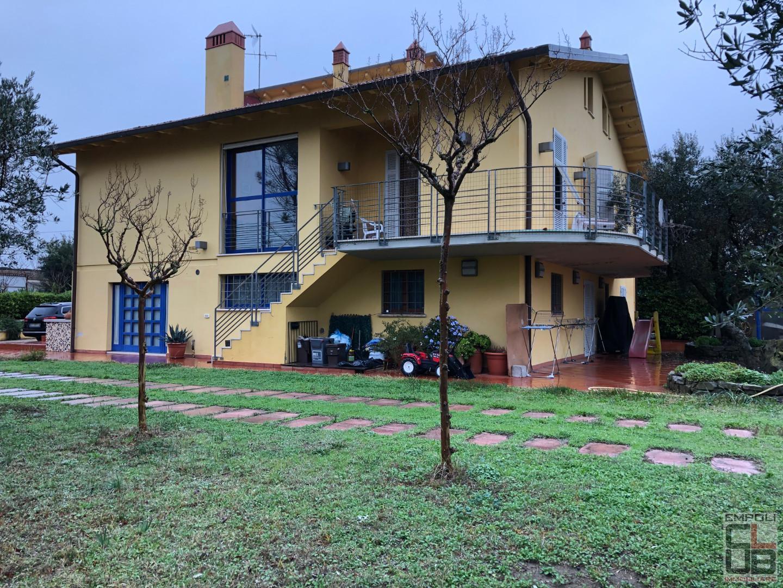 Villa in vendita a Vinci, 9 locali, prezzo € 770.000   CambioCasa.it