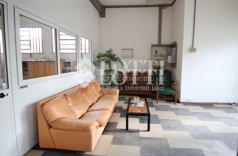 Ufficio in affitto, rif. 583-D
