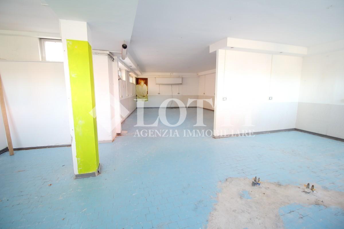 Locale comm.le/Fondo in vendita, rif. 513