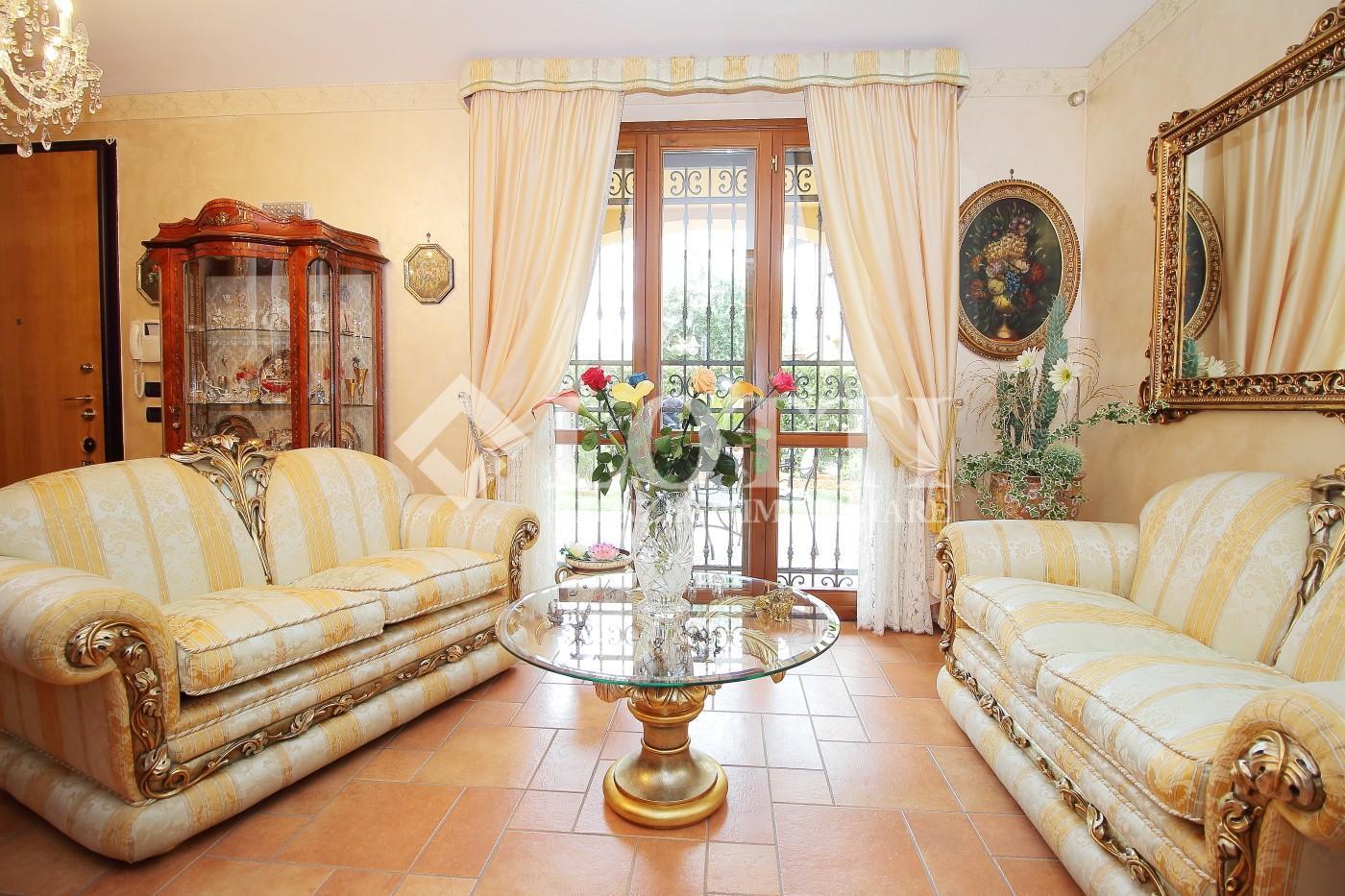 Casa singola in vendita, rif. 518