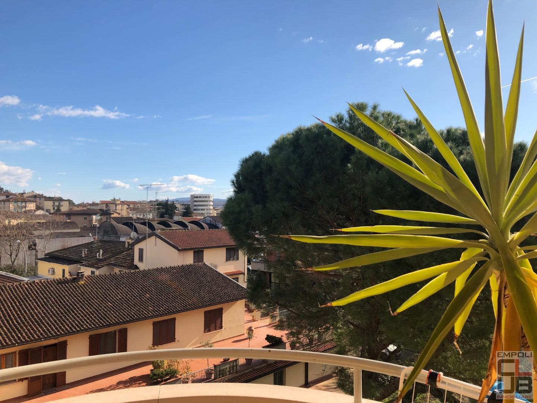 Appartamento in vendita a Castelfiorentino, 4 locali, prezzo € 99.000 | CambioCasa.it