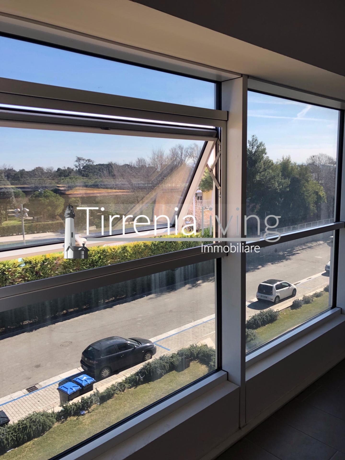 Ufficio in affitto commerciale, rif. U-001