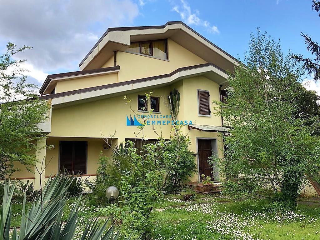 Villetta bifamiliare in affitto a Montignoso (MS)