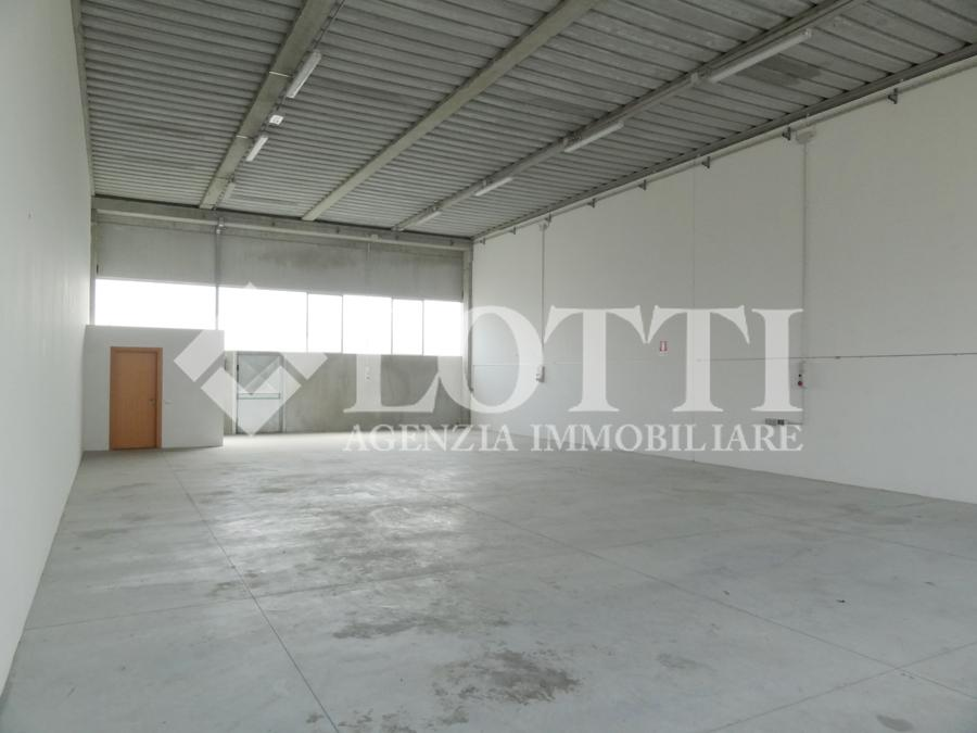 Industrial depot for sale in Bientina (PI)