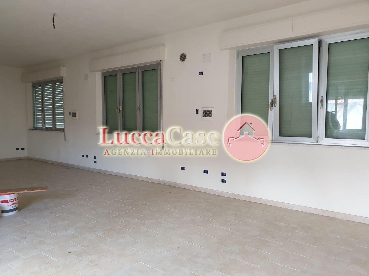 Ufficio in affitto commerciale a Capannori (LU)