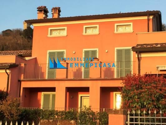 Villetta trifamiliare in vendita a Castelnuovo Magra (SP)