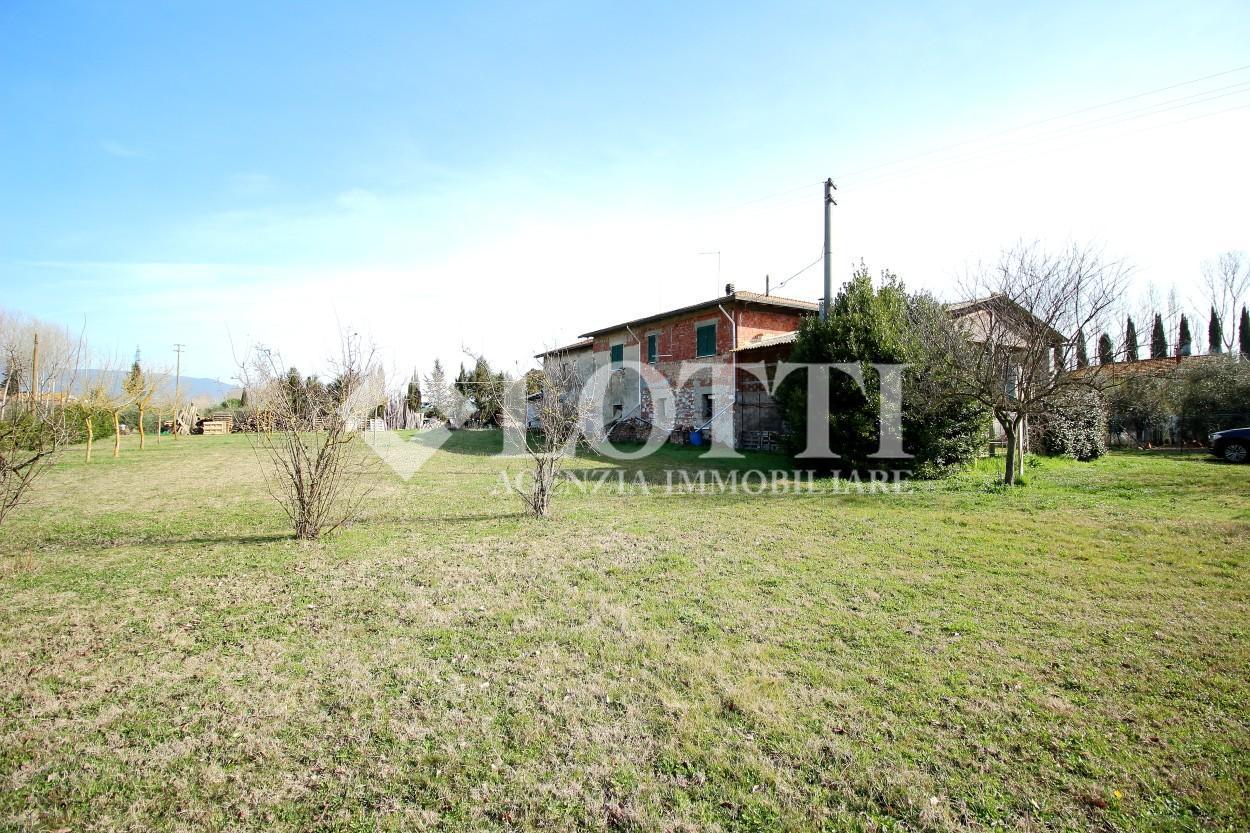 Farmhouse for sale in Latignano, Cascina (PI)