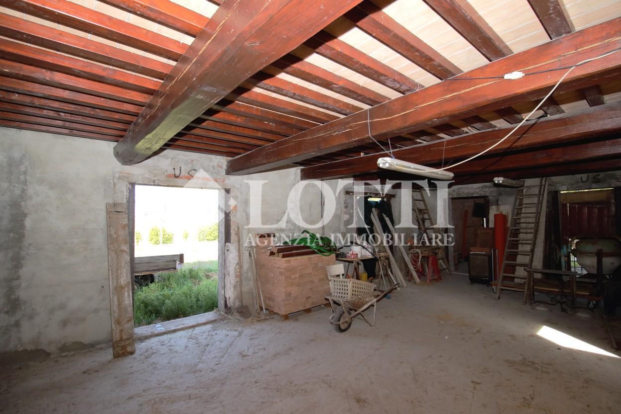 Casale in vendita, rif. 630