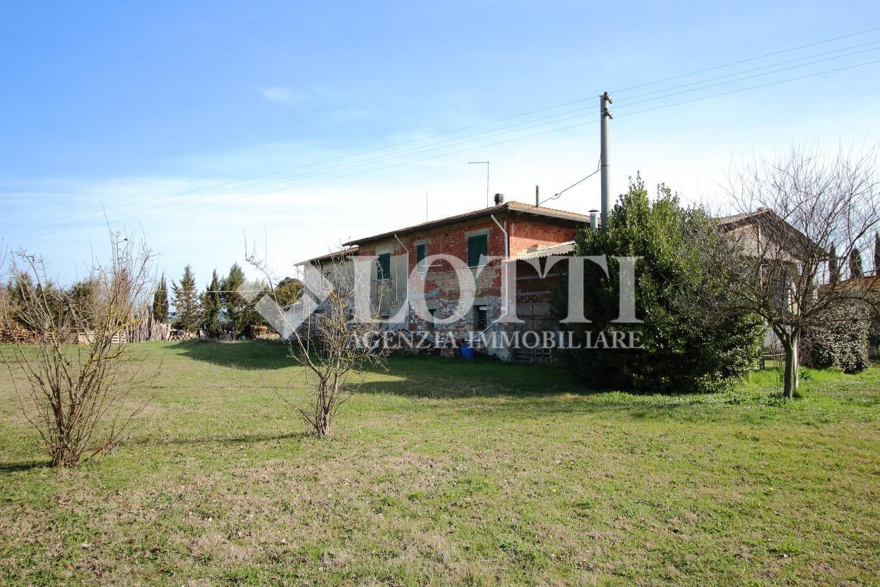 Farmhouse for sale, ref. 630