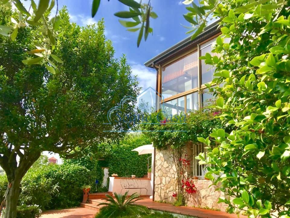 Casa singola in vendita, rif. 106696