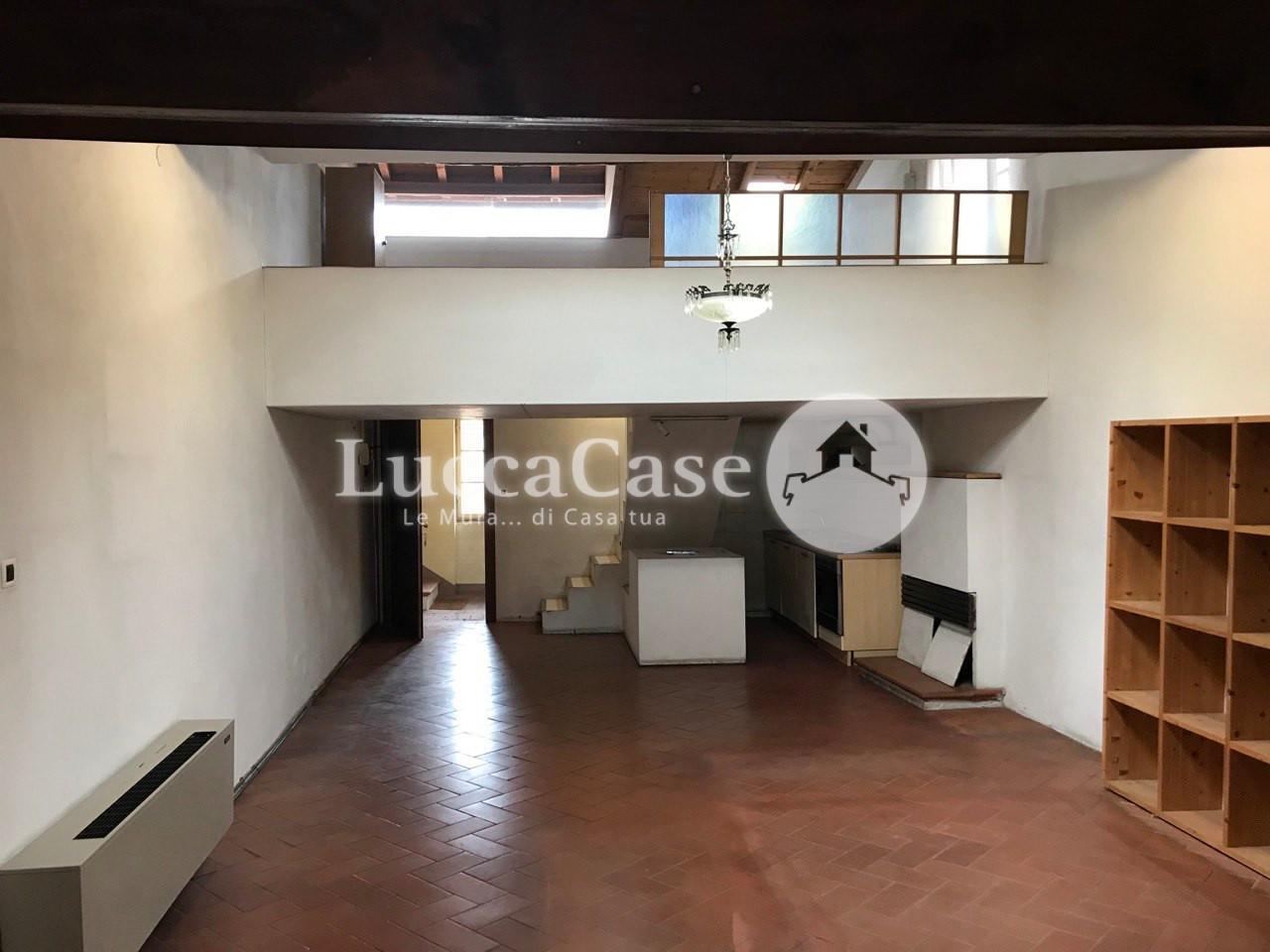 Appartamento in vendita, rif. E002J