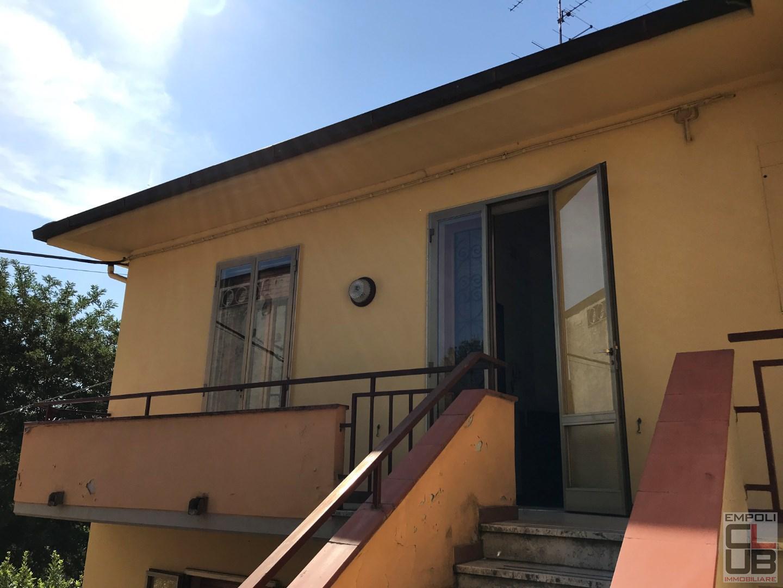 Casa semindipendente in vendita a Capraia e Limite (FI)