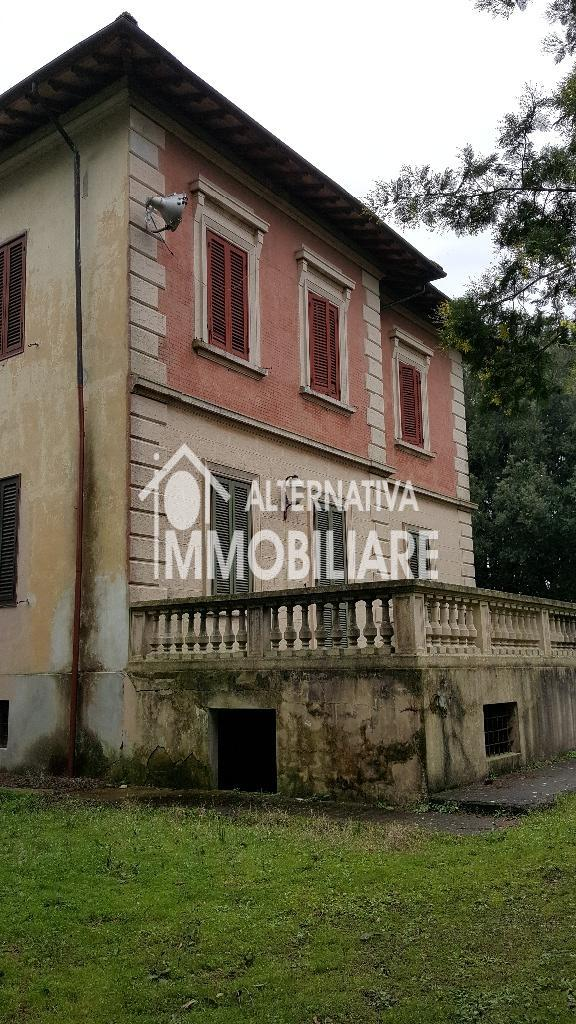 Edificio storico in vendita a Collesalvetti (LI)