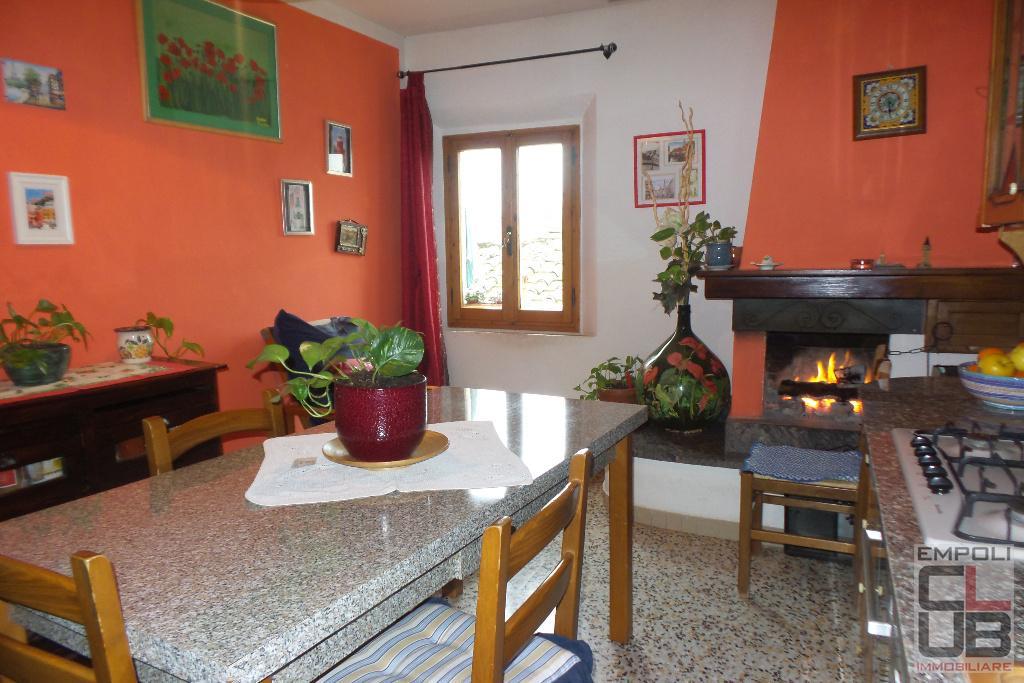 Appartamento in vendita a Empoli, 5 locali, prezzo € 130.000 | CambioCasa.it