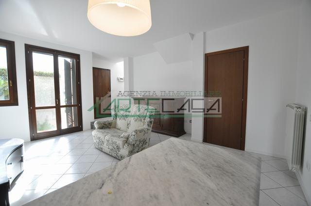 Villetta trifamiliare in vendita, rif. AC6670