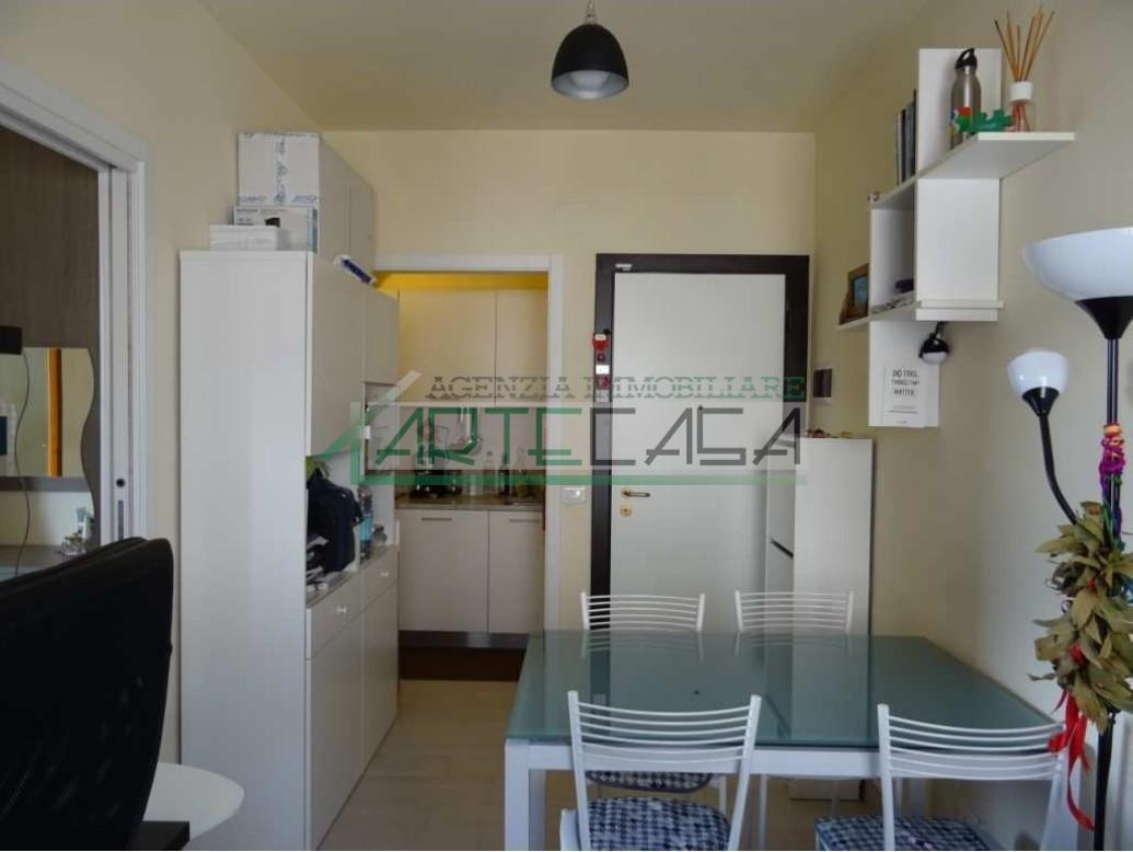 Appartamento in affitto, rif. AC6671