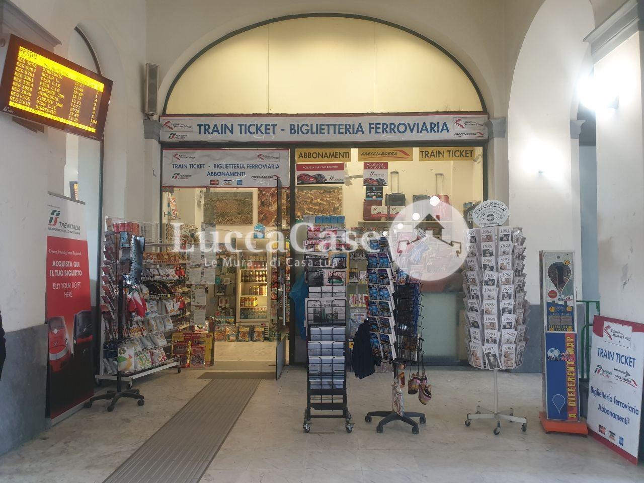 Edicola in vendita a Lucca