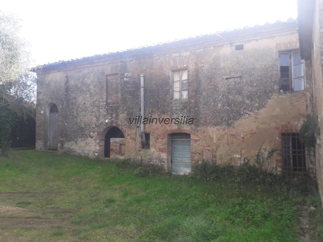 Foto 8/12 per rif. V 52020  casale  Siena