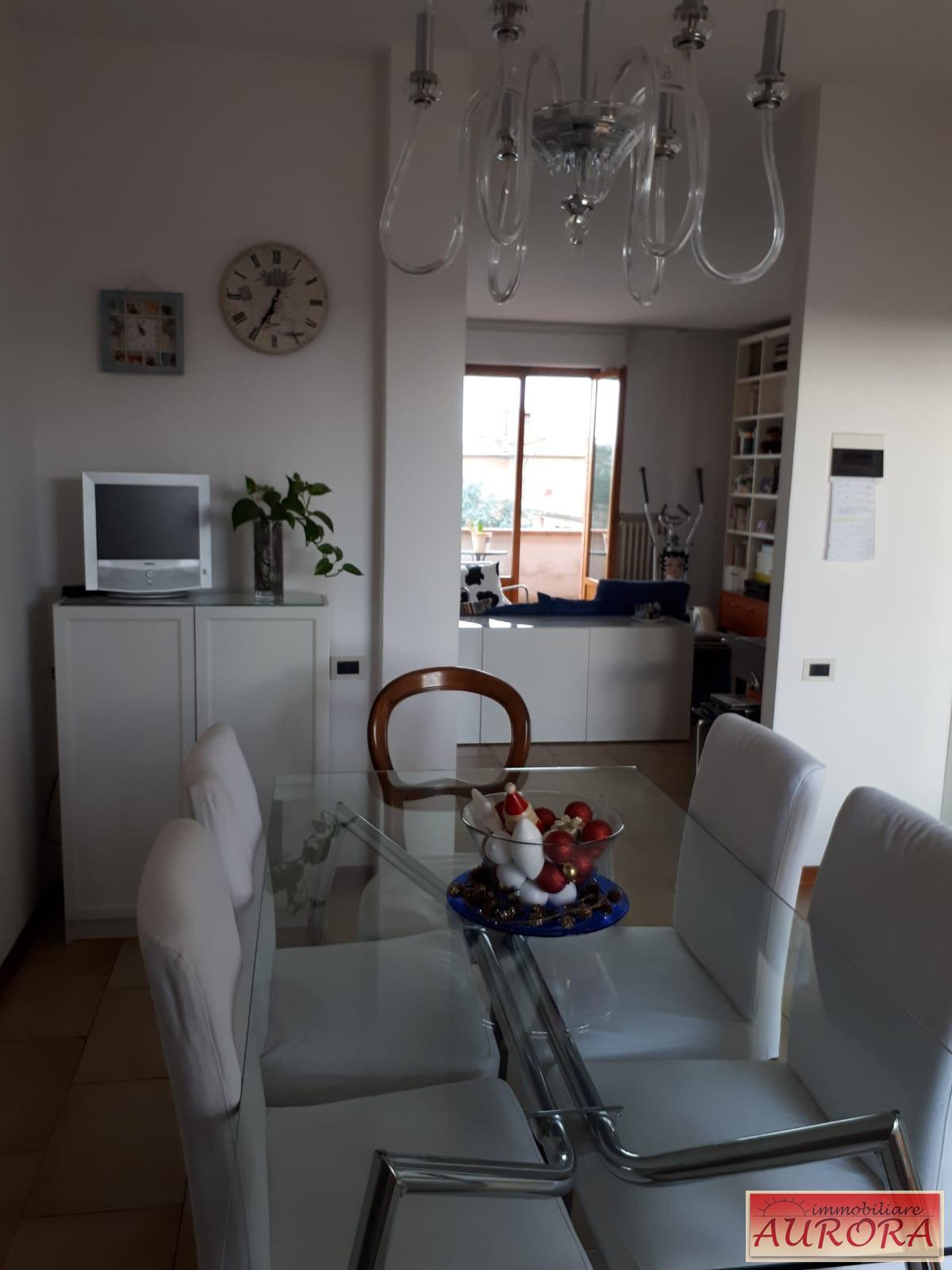 Appartamento in vendita a Poggibonsi, 4 locali, prezzo € 230.000 | PortaleAgenzieImmobiliari.it