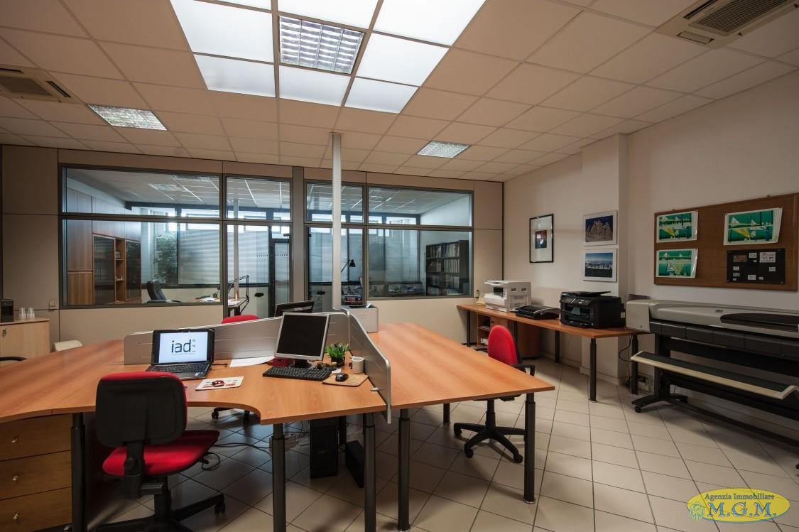 Mgmnet.it: Ufficio in affitto a Calcinaia