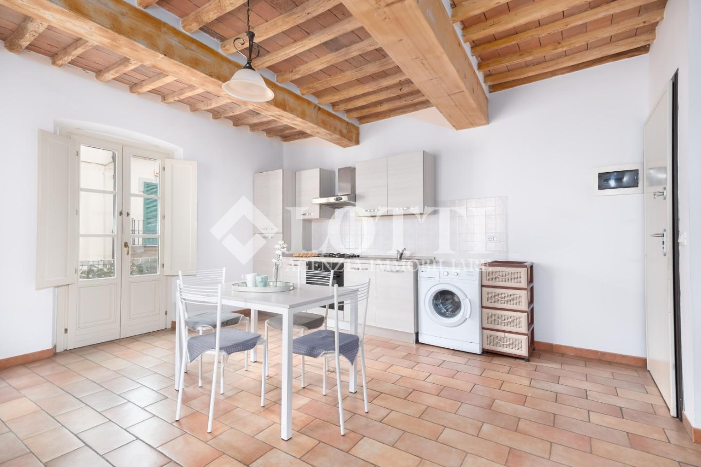 Appartamento in affitto, rif. 669-B