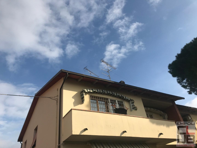 Appartamento in vendita a Vinci, 5 locali, prezzo € 290.000   CambioCasa.it