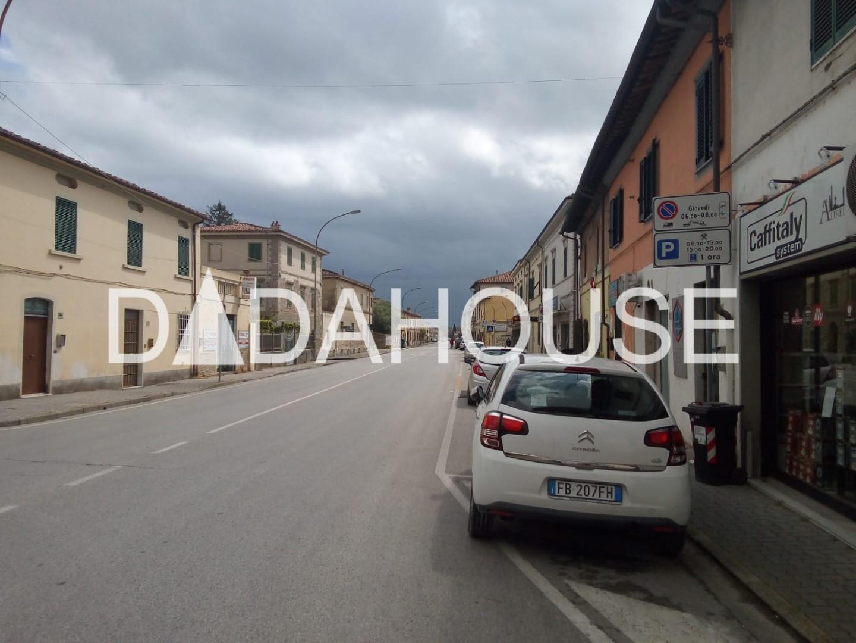 Capannone artigianale in affitto commerciale a Cascina (PI)