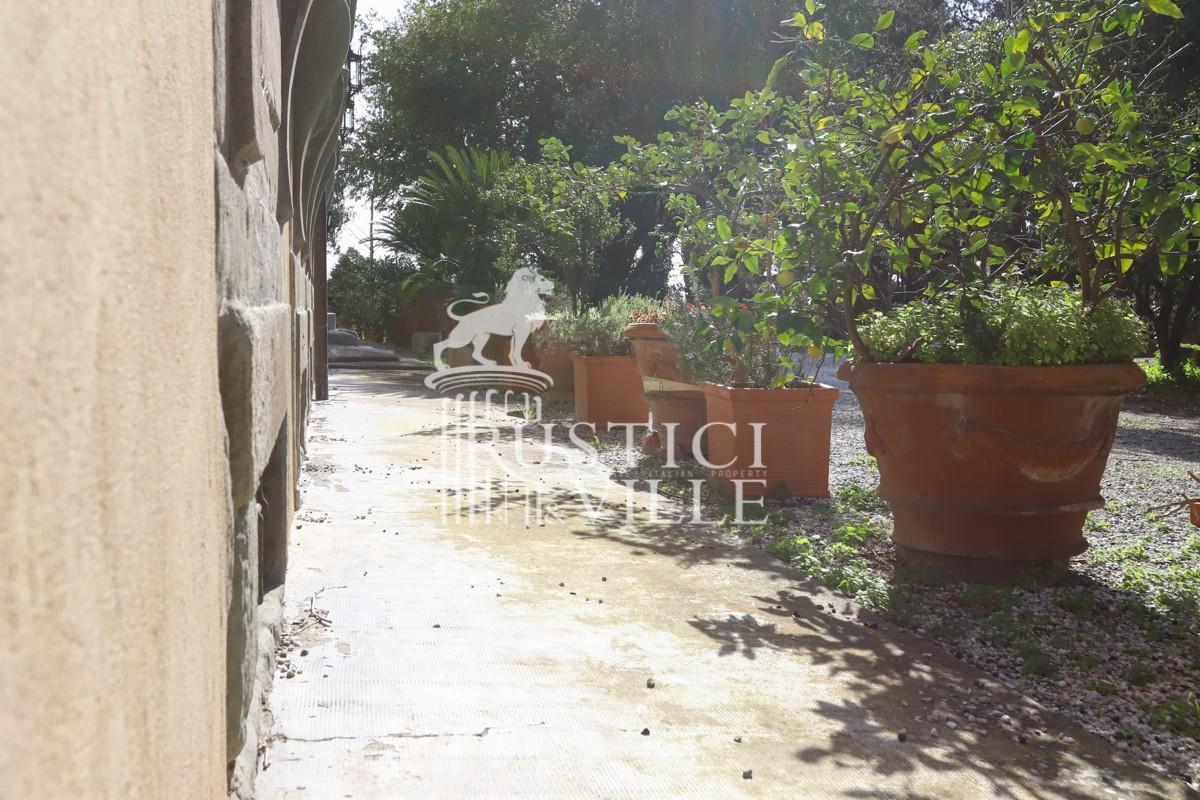Edificio storico in vendita a Pisa (12/59)