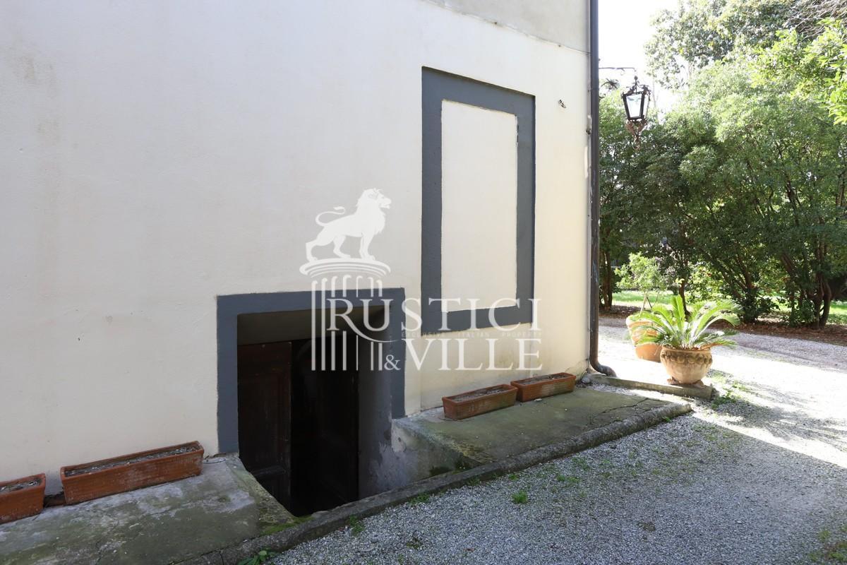 Edificio storico in vendita a Pisa (11/59)