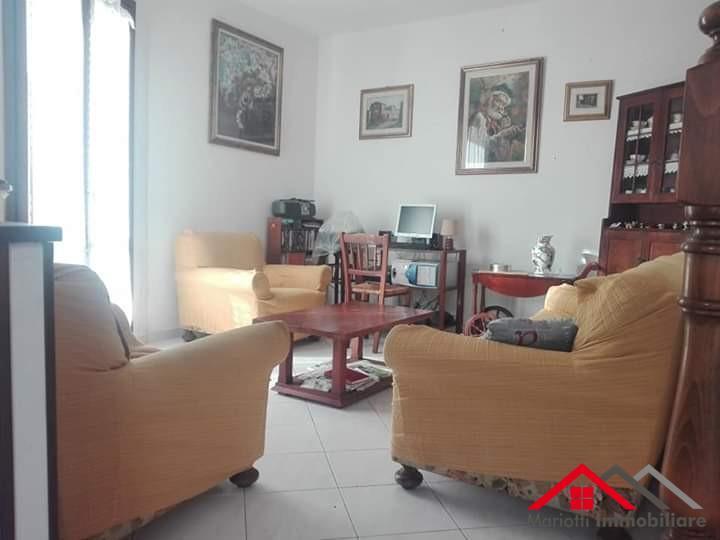 Villetta a schiera angolare in vendita, rif. Mi643