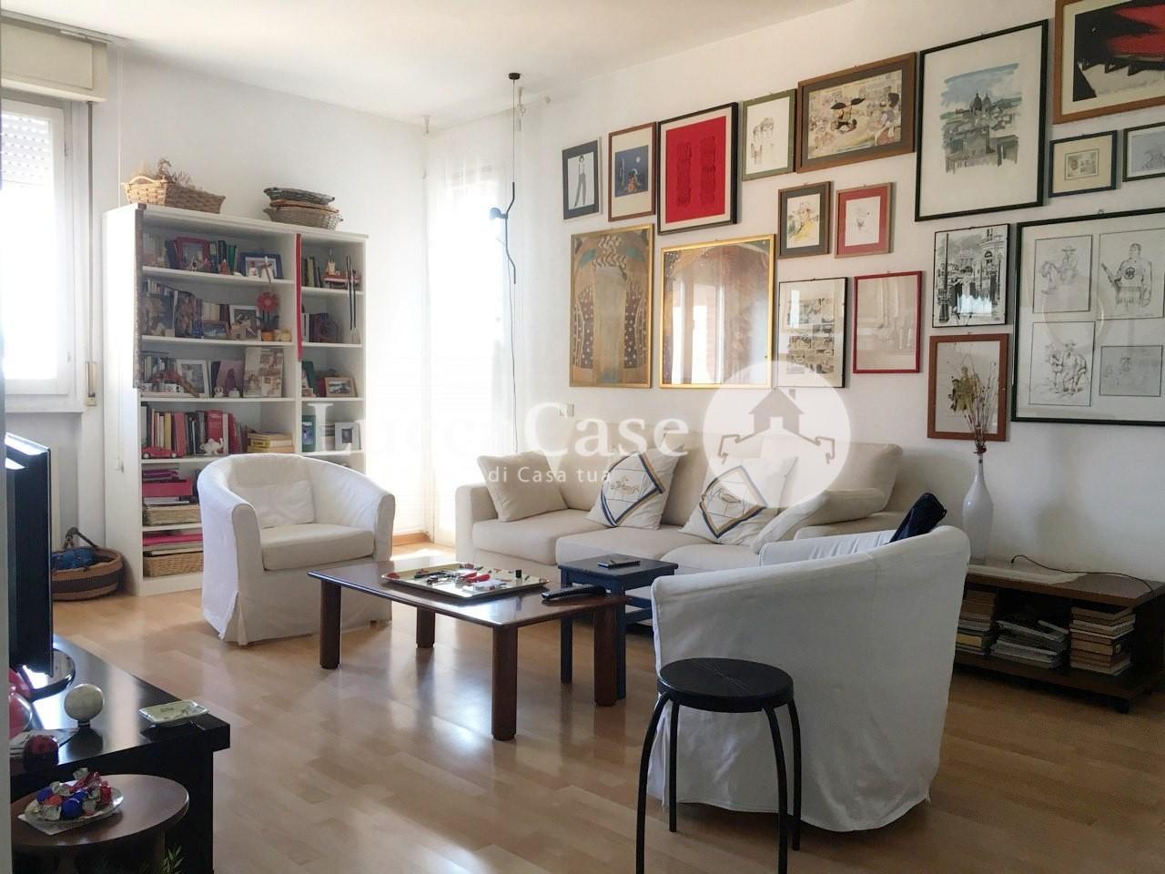 Appartamento in vendita, rif. E003P