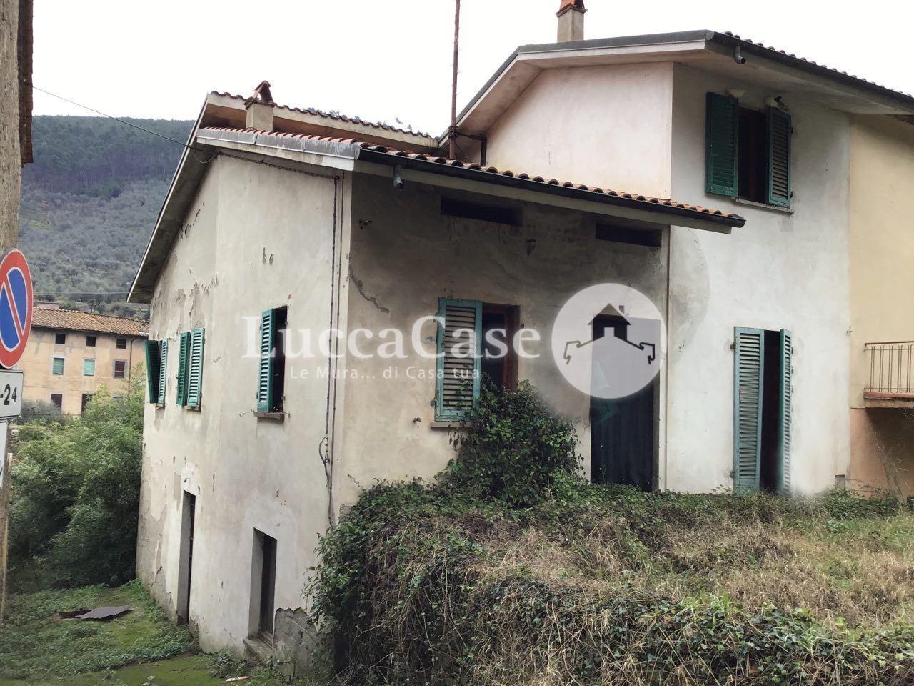 Villetta bifamiliare in vendita, rif. E053J