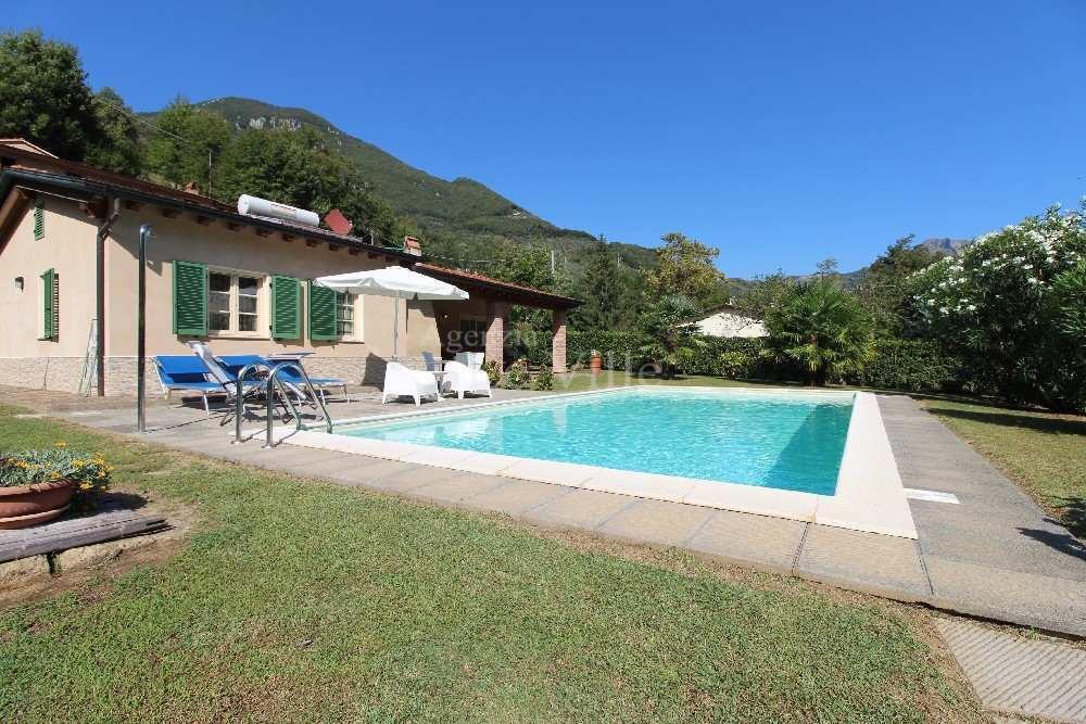 Villa singola a Camaiore