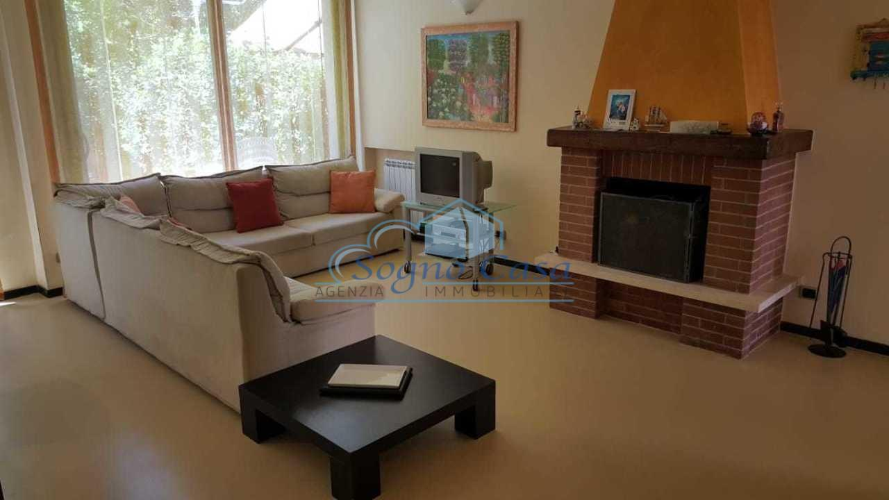 Casa semindipendente in vendita, rif. 106877
