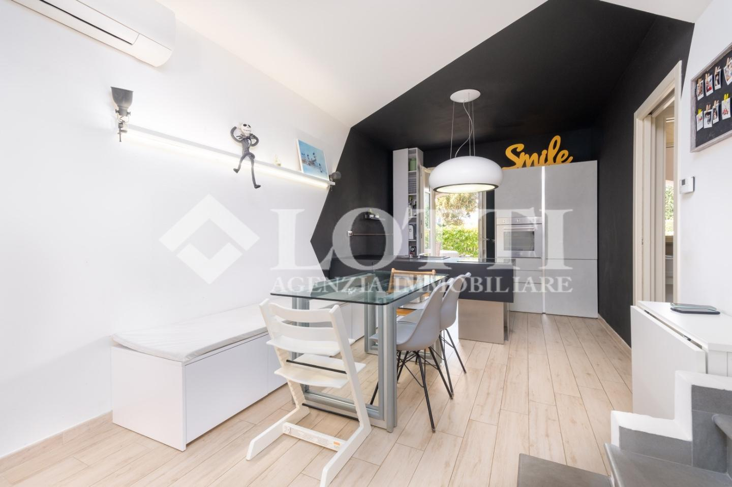 Terraced house for sale, ref. 712