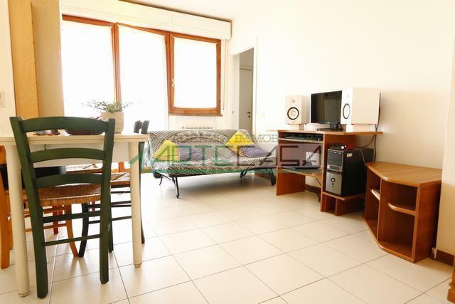 Appartamento in affitto, rif. AC6813S