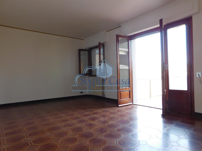 Appartamento in affitto a Ortonovo, 4 locali, prezzo € 620 | PortaleAgenzieImmobiliari.it