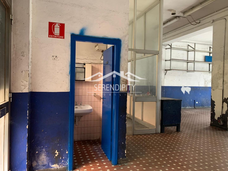 Locale comm.le/Fondo in affitto commerciale, rif. FC01