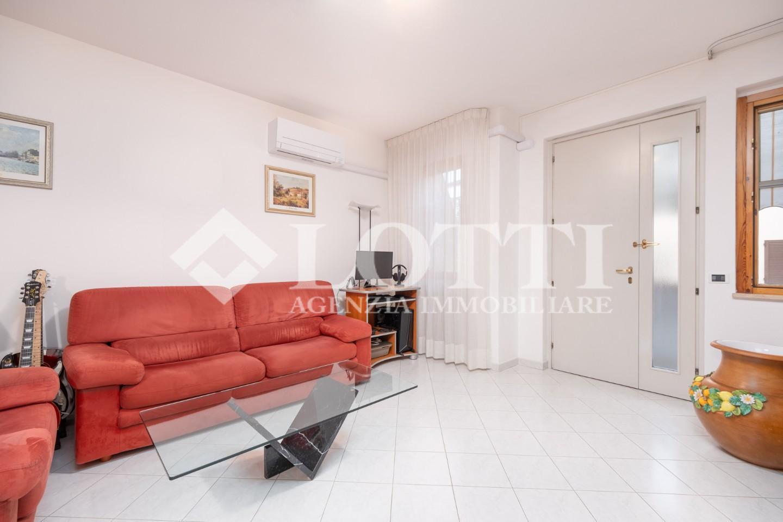 Appartamento in vendita, rif. 720